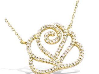 collier plaqué or fleur